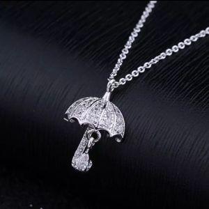 NEW WHITE GOLD DIAMOND UNBRELLA CHARM NECKLACE